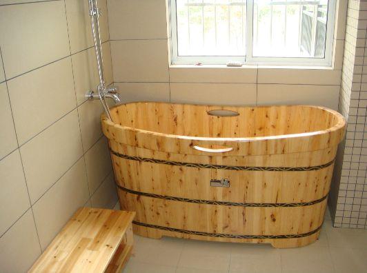 有没有谁家卫生间放的木桶浴缸的|装修讨论