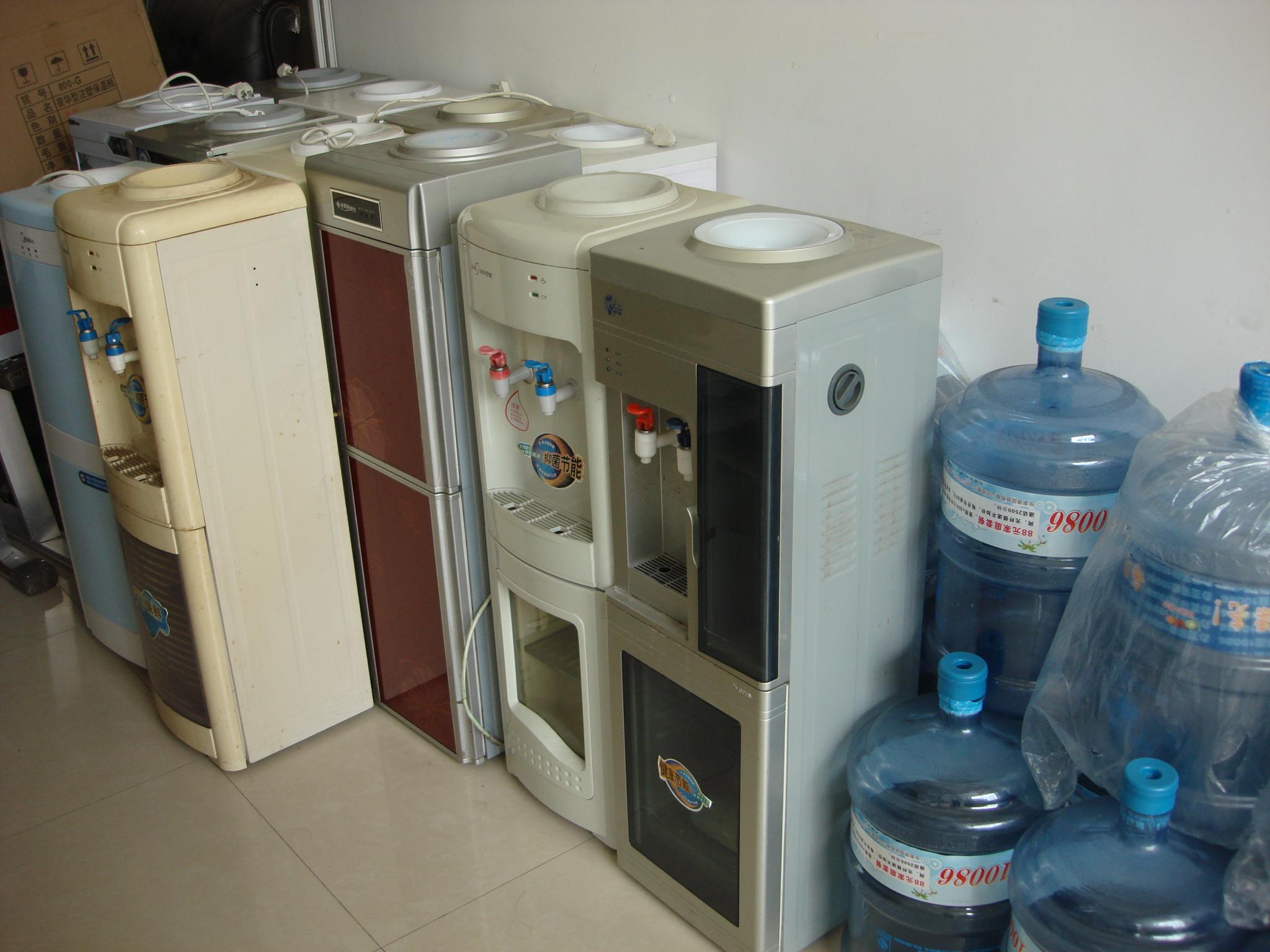 出售一批九成新的饮水机和烧水电吊子