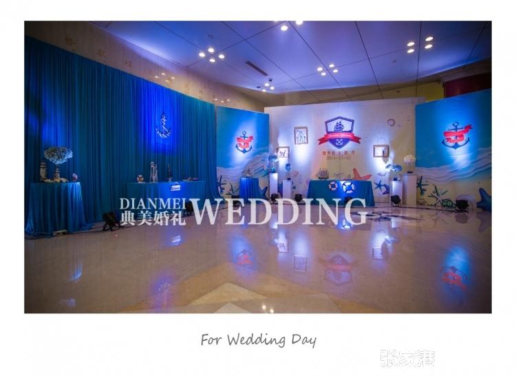 蓝色主题的海洋婚礼让你们的爱情与大自然相结合